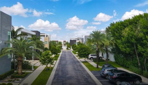 105TH AVE 6819 NW, Doral, Florida 33178