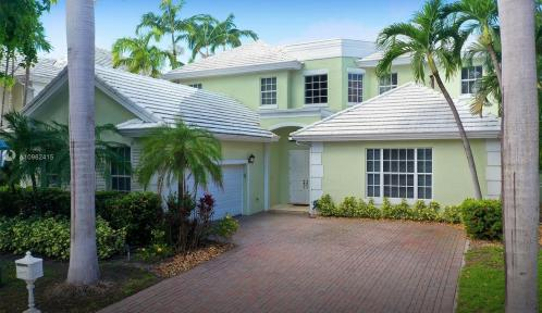 19 Grand Bay Estates Cir, Key Biscayne, Florida 33149