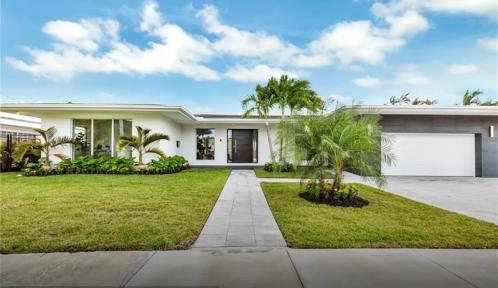 1910 NE 193rd St, Miami, Florida 33179