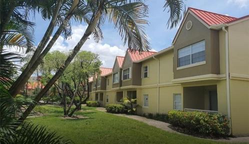 18312 68th Ave Unit E, Hialeah, Florida 33015